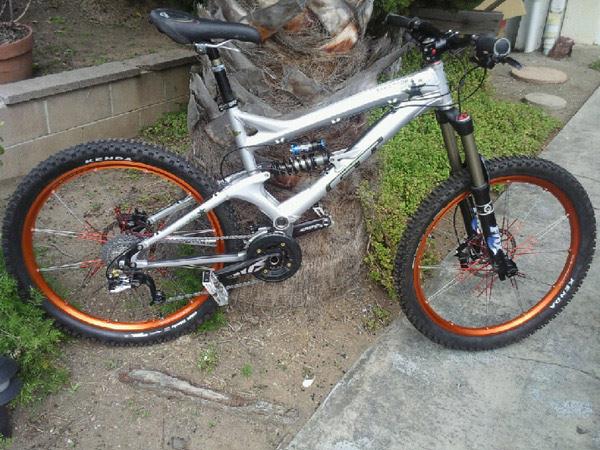 Hans  Bikes  b388b92e2