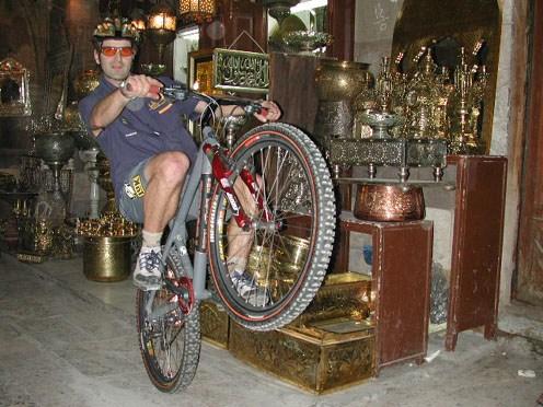 How To Do A Wheelie On A Bike Hans Rey Adventure Team